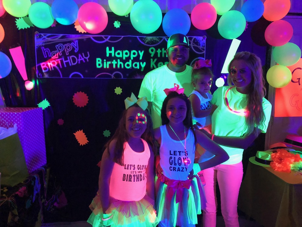Blacklight party for kids decoration ideas