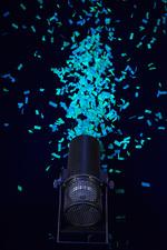 Confetti canon glow in the dark confetti